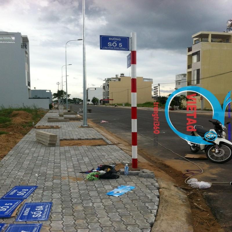 Thi công trụ đường – bảng tên đường