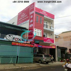 Thi công pano quảng cáo ốp tường – Quảng Cáo Việt