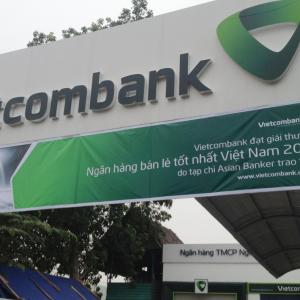 Thi công mặt dựng alu ngân hàng Vietcombank
