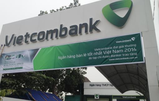 Thi công mặt dựng alu Vietcombank
