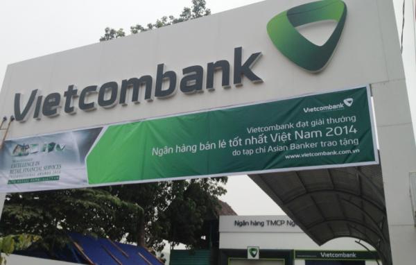 thi-cong-mat-dung-alu-vietcombank