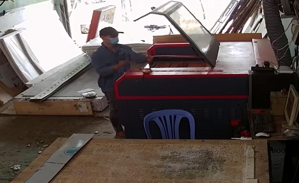 xuong-cat-laser-mica-hcm
