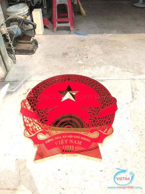 Quốc huy inox sản xuất tại xưởng