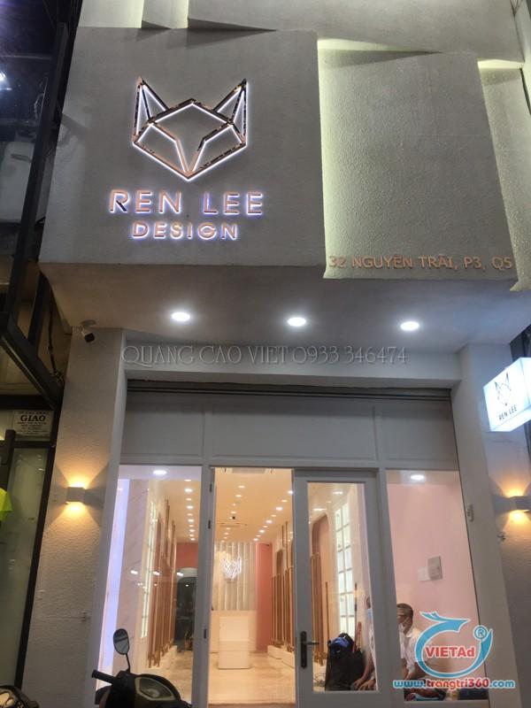 Bảng hiệu chữ inox dạ đèn chân chữ cao cấp tại Nguyễn Trãi, Quận 5