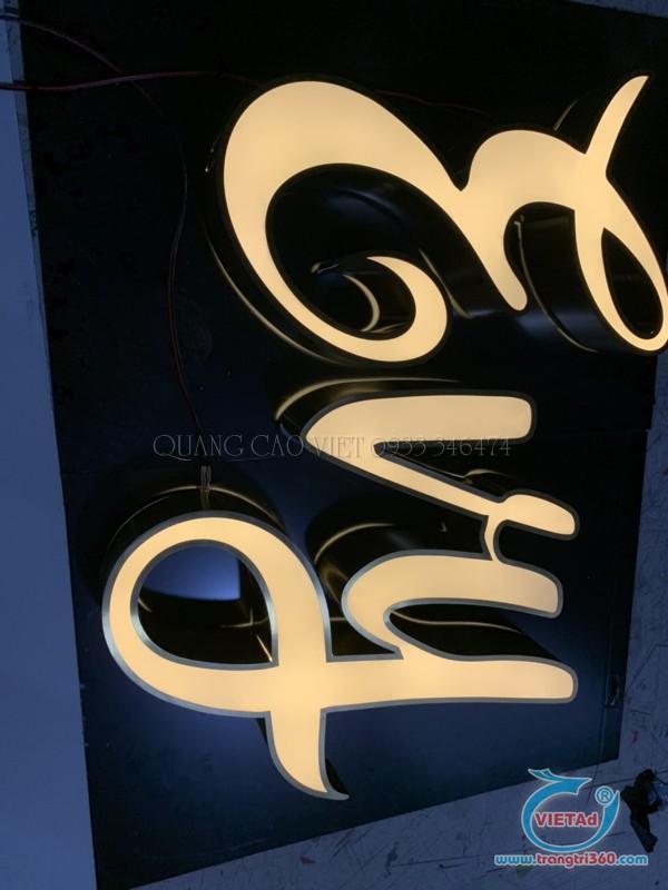 bảng hiệu chữ nổi inox giật cấp sáng đèn