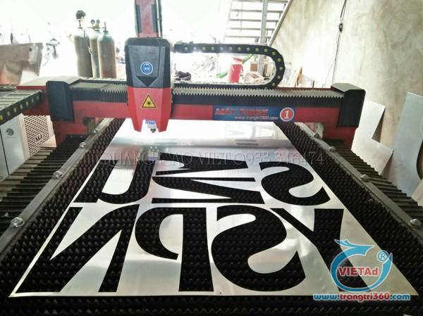 Xưởng cắt chữ inox bằng máy Quảng Cáo Việt