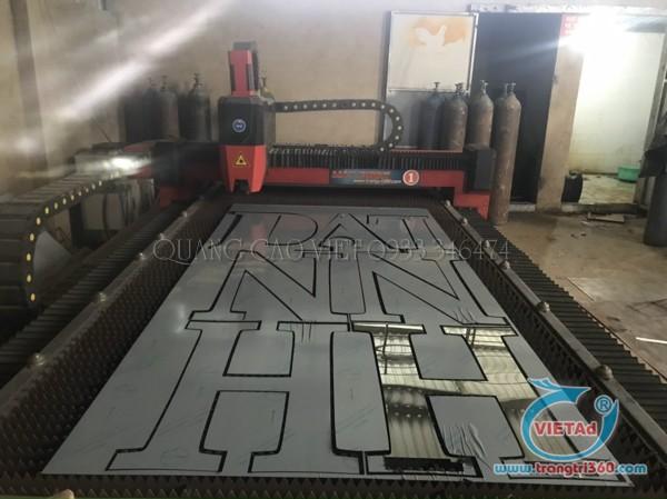 Xưởng cắt chữ inox trắng Quảng Cáo Việt