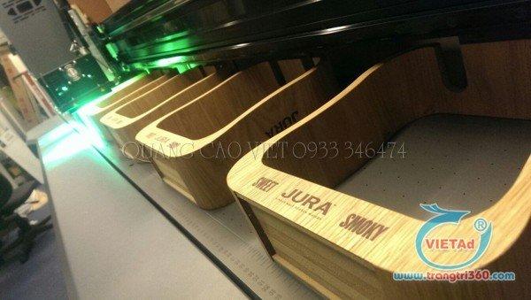 chữ nổi bằng gỗ được in UV